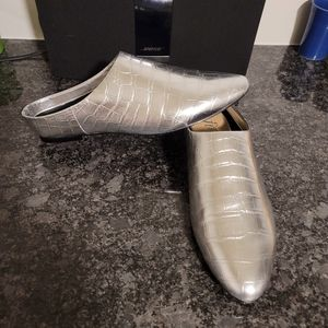 NEW! THE FIX Mettalic Croc MULE Silver Loafers
